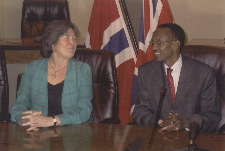 Clare meeting with with Rwandan President Paul Kagame as Secretary of State for International Development, Rwanda, 2001.